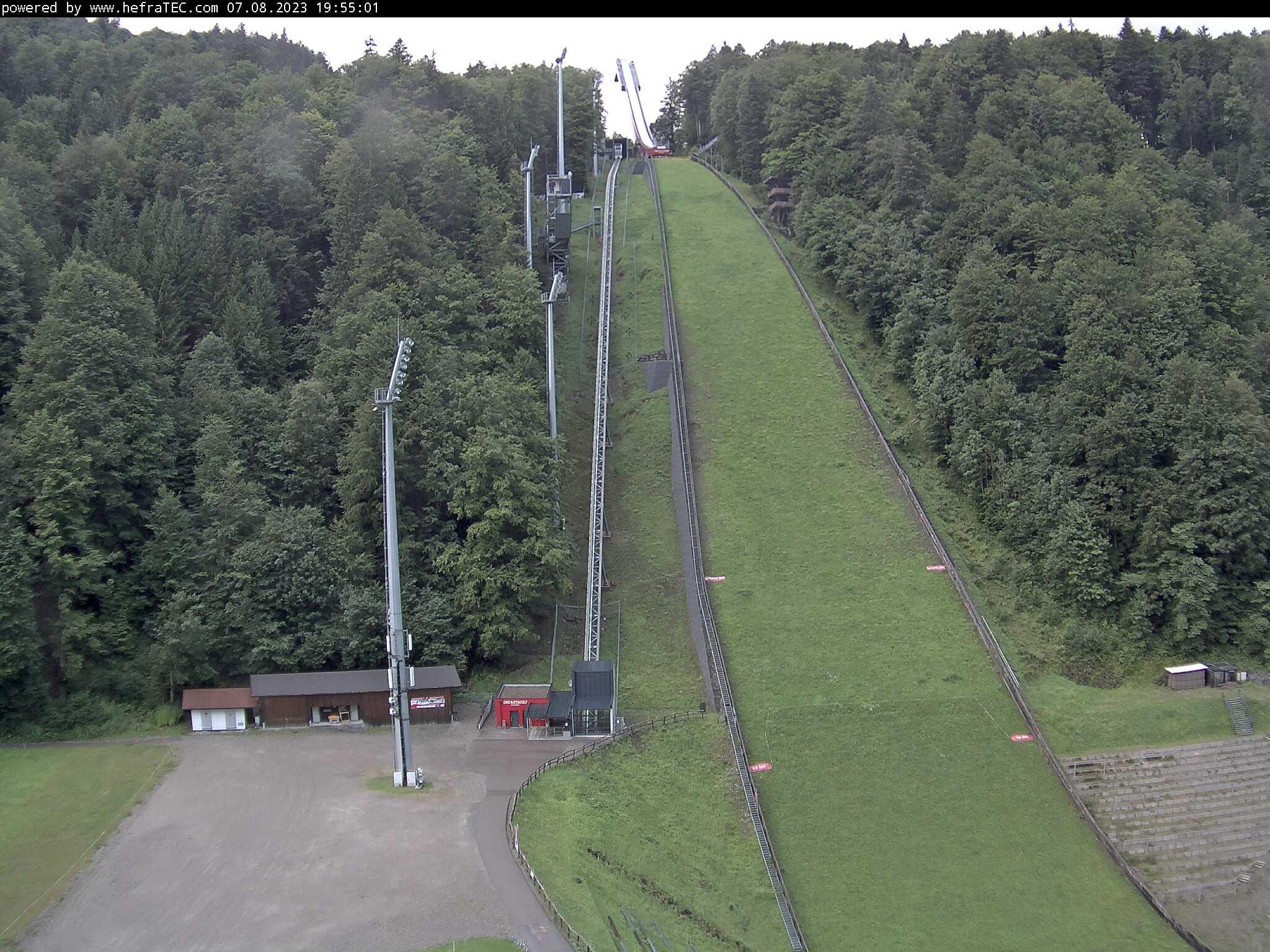 Externes Bild: http://hefratec.de/Flugschanze/Bilder-WebCAM/Flugschanze-livebild.jpg?72